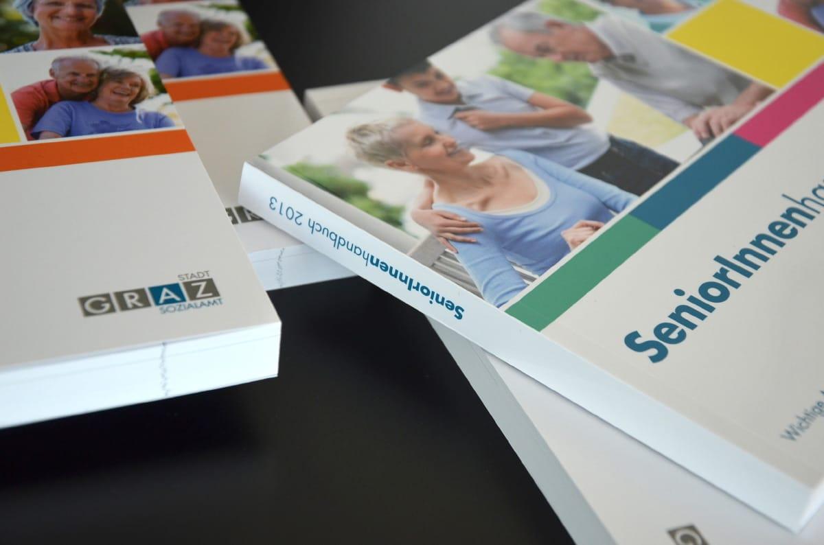 SeniorInnenhandbuch der Stadt Graz - Editorial Design